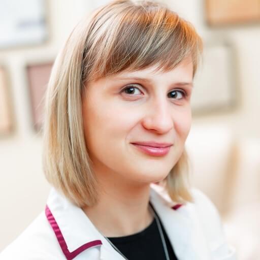 hajszalhijan.hu orvosa: Dr. Békési Dóra